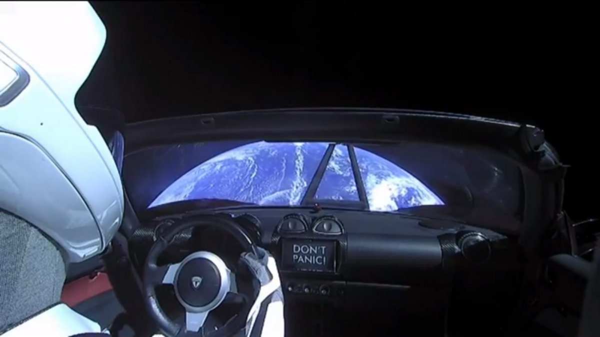 Tesla-Roadster-in-Space-3-9326-default-large